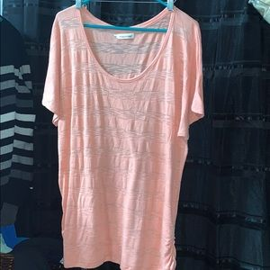 Maurices size 3 top peach/coral color